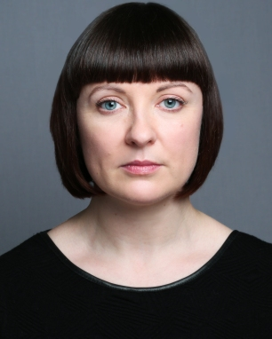 2018 Headshot by Claire Grogan